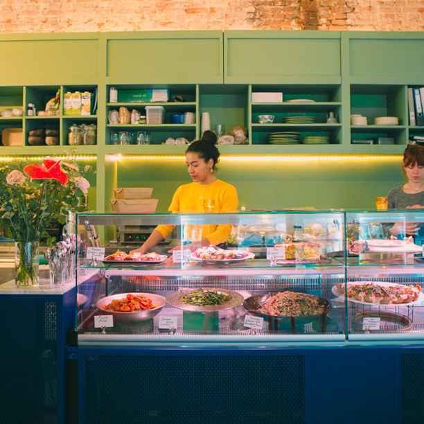 Omfietsen en zes andere tips om onze lokale ondernemers te steunen