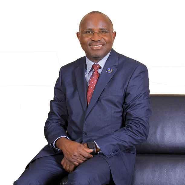 Fabian Kasi: bankieren voor alle Oegandezen
