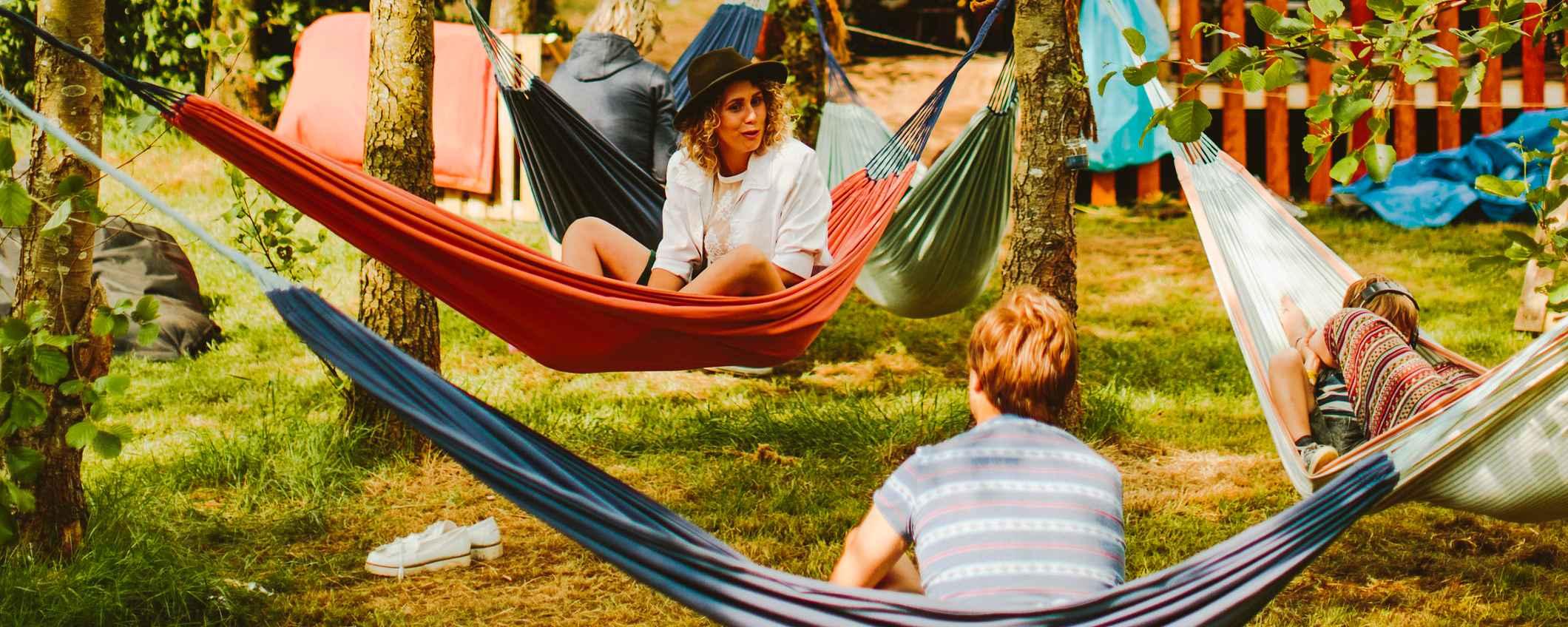 Camping Buitenland hangmatten door Aline Bouma